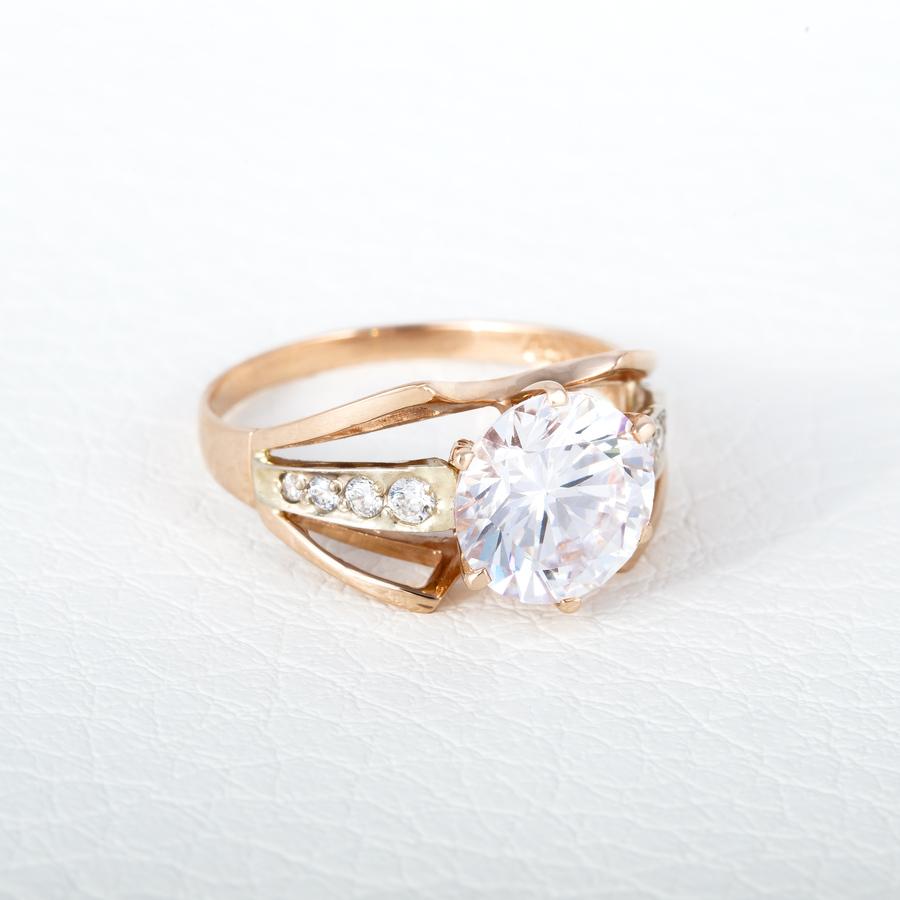 Золотое кольцо с большим фианитом К19