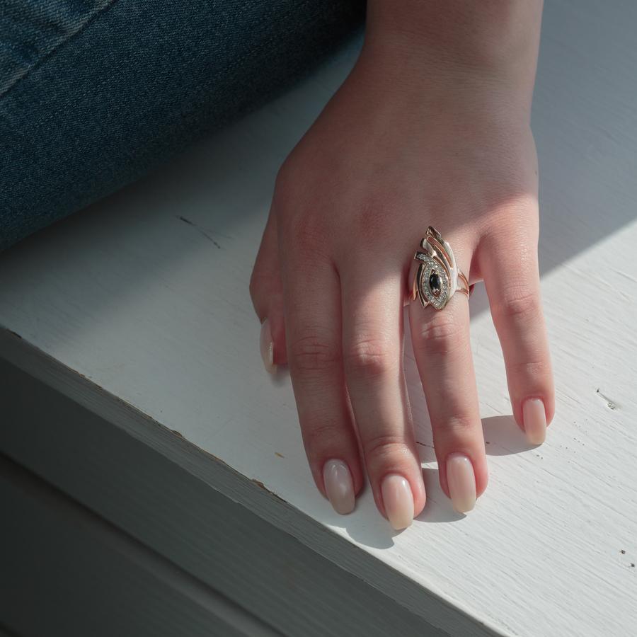 Золотое кольцо с черным фианитом К1488