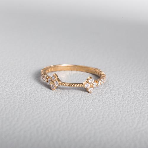Золотое кольцо с фианитами. Г21052