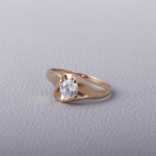 Золотое кольцо с фианитом. Кр136