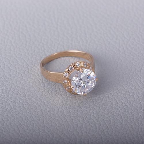 Помолвочное золотое кольцо с фианитам. К1476