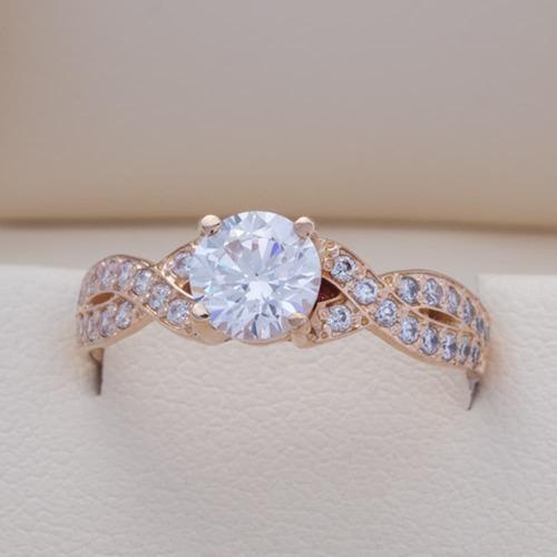 Золотое помолвочное кольцо с фианитами. К1671