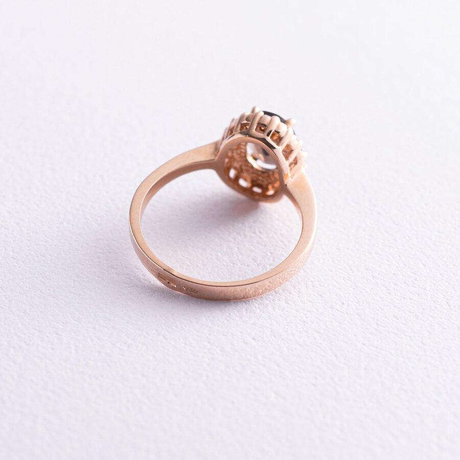 Золотое кольцо с дымчастым топазом и фианитами к02122t